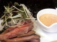 ローストビーフと若布と大根の手巻サラダ