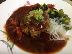 【とびきり蕎麦と牛肉のヤマキの大自然鰹節ハンバーグ】